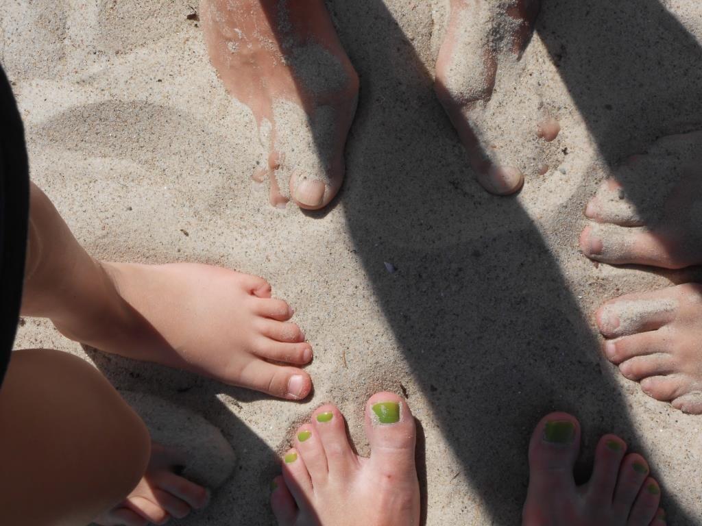 unsere Füße im Strand